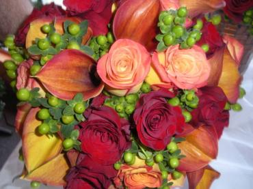Calla Lily, Rose and Hypericum Bouquet