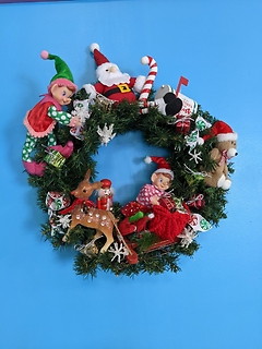 17 inch Tinkering Elves Wreath